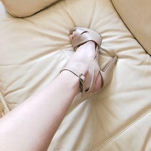 STEVE MADDEN Nude Peep Toe Heels(Loubutin Inspired